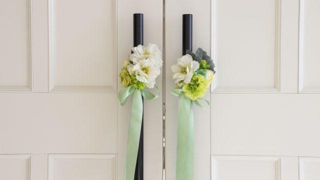 結婚式の扉